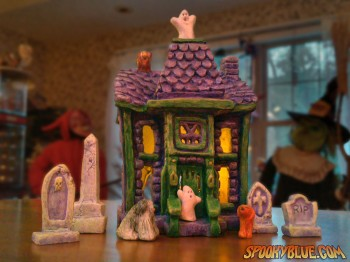 Tiny little haunted house